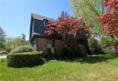 East Providence Single Family Home For Sale: 343 Willett Av