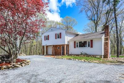 Glocester Single Family Home Act Und Contract: 65 Brook Hill Rd