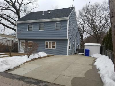 Pawtucket RI Single Family Home For Sale: $298,000