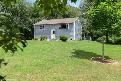 South Kingstown Single Family Home For Sale: 45 Holly Rd