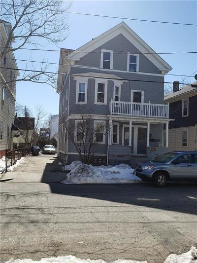 Providence RI Multi Family Home For Sale: $269,000