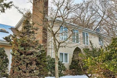 Cranston Single Family Home For Sale: 461 Comstock Pkwy