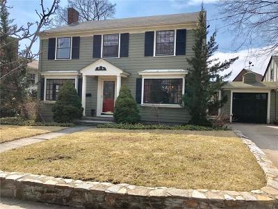 Pawtucket RI Single Family Home For Sale: $469,000