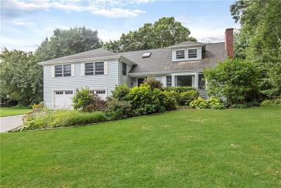 Bristol County Single Family Home For Sale: 25 Winthrop Dr