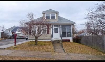 Cranston Single Family Home Act Und Contract: 154 Alto St
