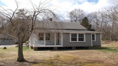 East Greenwich Single Family Home For Sale: 197 Tillinghast Rd