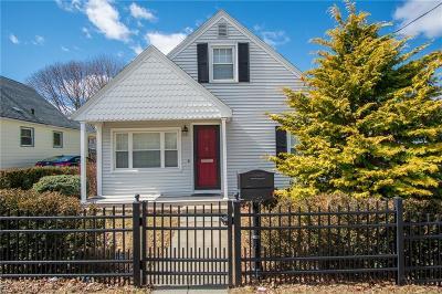 Johnston Single Family Home For Sale: 37 Harding Av
