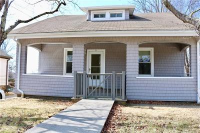 Single Family Home For Sale: 220 High St
