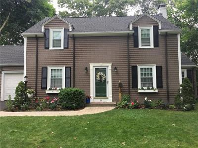 Barrington RI Single Family Home For Sale: $475,000