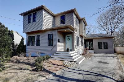 Bristol County Single Family Home For Sale: 86 Markwood Dr