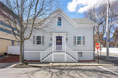 Newport Single Family Home For Sale: 26 Third St