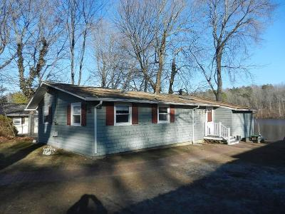 Kent County Single Family Home For Sale: 35 Breezy Lake Dr