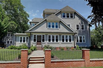 Providence County Single Family Home For Sale: 226 Blackstone Blvd