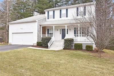 North Kingstown Single Family Home For Sale: 137 Orchard Woods Dr