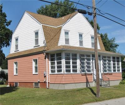 Cumberland RI Single Family Home For Sale: $156,000