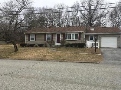Providence County Single Family Home For Sale: 198 Macarthur Rd
