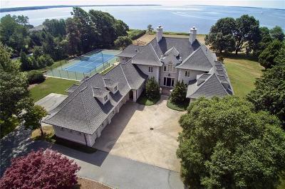 Single Family Home For Sale: 85 Nayatt Rd