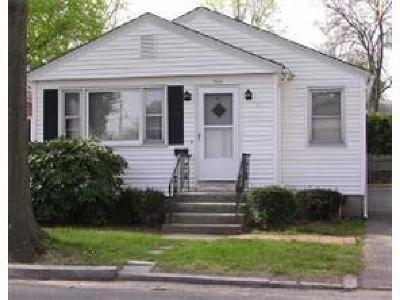 Providence County Single Family Home For Sale: 144 Texas Av