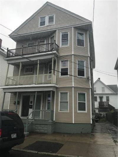 Providence County Multi Family Home For Sale: 220 Saratoga St