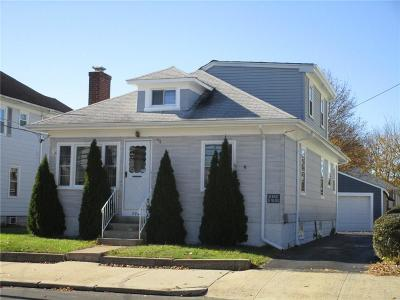 Pawtucket RI Single Family Home For Sale: $182,000