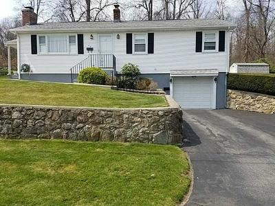 Johnston RI Single Family Home For Sale: $259,000