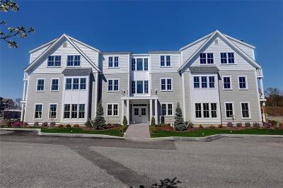East Providence Condo/Townhouse For Sale: 34 Kettle Point Av, Unit#a #A