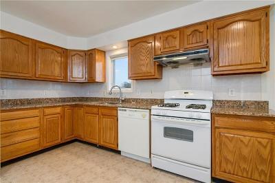 Westerly Single Family Home For Sale: 32 Longvue Av
