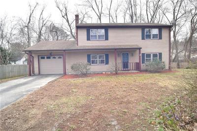 Smithfield Single Family Home For Sale: 18 Elizabeth St