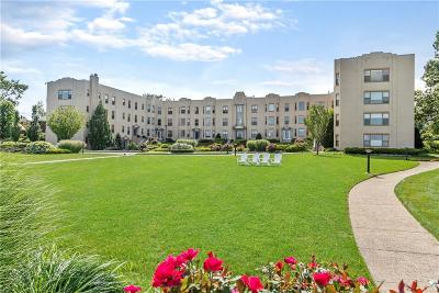 Cranston Condo/Townhouse For Sale: 1180 Narragansett Blvd, Unit#c3 #C3