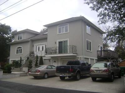 Warwick Single Family Home For Sale: 71 Economy Av