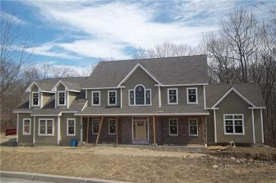 East Greenwich Single Family Home For Sale: 15 Rock Wy