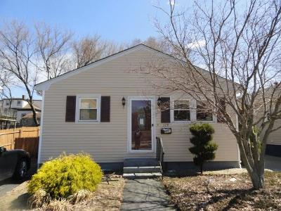 Providence RI Single Family Home For Sale: $124,500