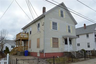 Pawtucket Multi Family Home For Sale: 94 Owen Av