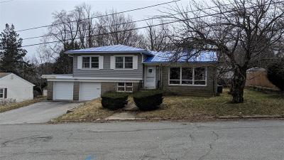North Providence Single Family Home For Sale: 19 Redwood Dr