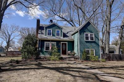 East Providence RI Single Family Home For Sale: $350,000