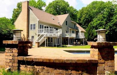 East Greenwich Single Family Home For Sale: 140 Juniper Dr