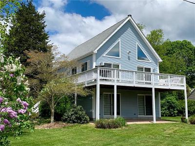 Narragansett Single Family Home For Sale: 50 Lake Rd