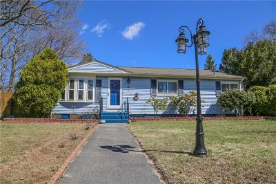 Warwick Single Family Home For Sale: 61 Marigold Dr