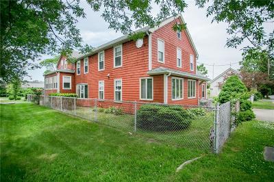 Newport Single Family Home For Sale: 24 Butler St