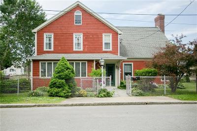 Newport Multi Family Home For Sale: 24 Butler St