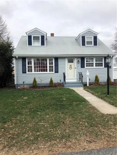 North Providence Single Family Home For Sale: 35 Pleasant View Dr