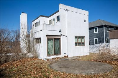 Narragansett Single Family Home For Sale: 50 Bayberry Rd