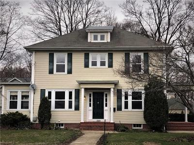Johnston Single Family Home For Sale: 309 Greenville Av