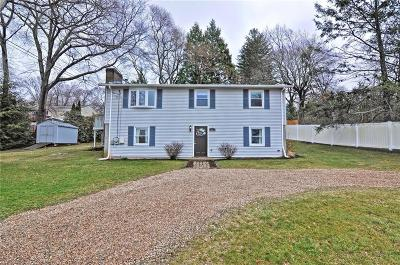 Narragansett Single Family Home For Sale: 61 Wood Sorrel Trl