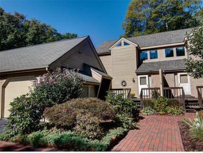 East Greenwich Condo/Townhouse For Sale: 140 Pine Glen Dr