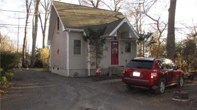 Newport County Single Family Home For Sale: 78 Thibault Lane