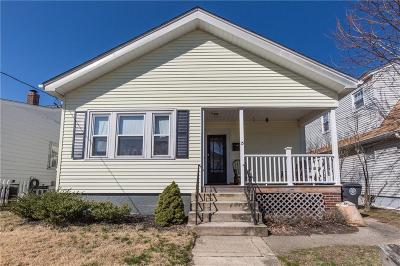 Cranston Single Family Home For Sale: 15 Taft St