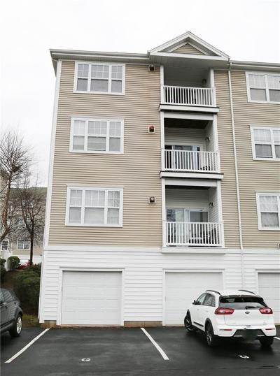 Woonsocket Condo/Townhouse For Sale: 82 Mill St, Unit#204 #204