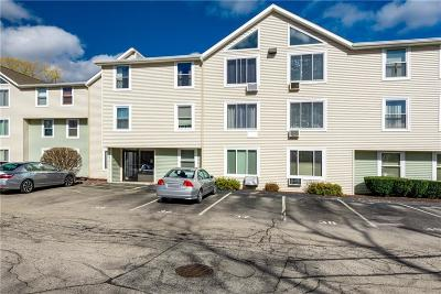 North Providence Condo/Townhouse For Sale: 201 Woodlawn Av
