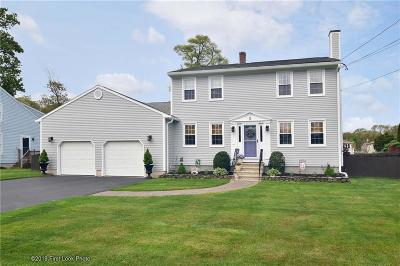 Bristol County Single Family Home For Sale: 9 Sefton Dr